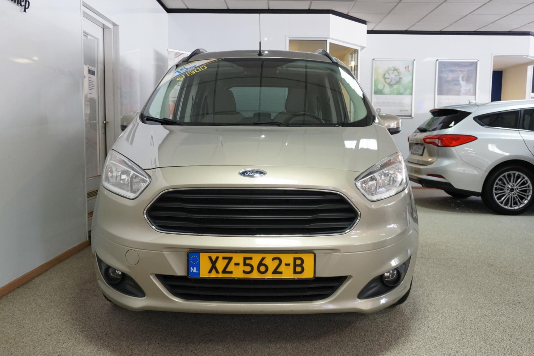 Ford-Tourneo-5
